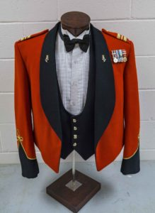 Circa 1990 Senior Officer's shawl collar with Royal Canadian Electrical & Mechanical Engineers collar and Lieutenant Colonel rank insignia. Note: In 2015 rank designation on shoulders returned to pre-unification insignia.